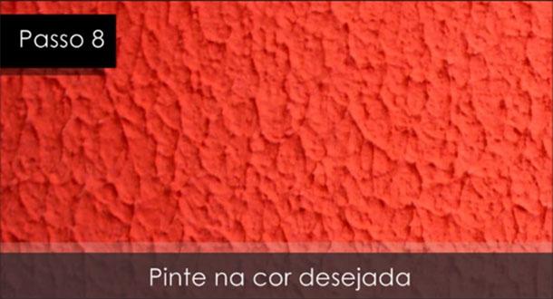 após seca a textura, pinte da cor desejada a parede.