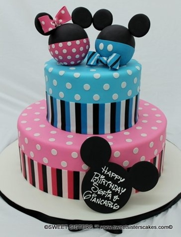 Bolo da Minnie Rosa e do Mickey decorado, muito bonito para festa infantil