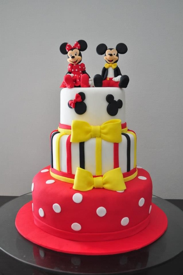 Bolo confeitado da Minnie e do Mickey