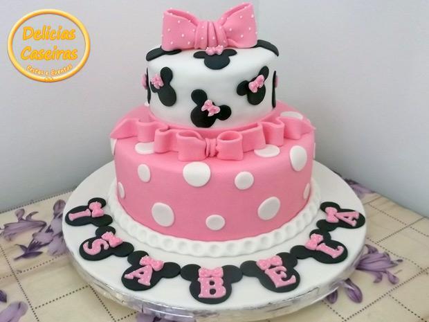 Torta personalizada da Minnie, cor de rosa