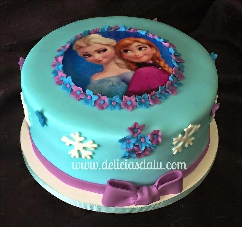 Bolo das princesas da aventura de Frozen