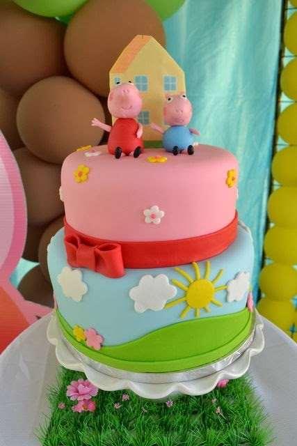 bolo de aniversário da Peppa Pig e Georg Pig