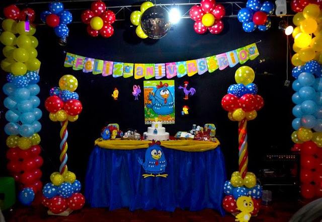 Festinha em salão indoor da galinha Pintadinha