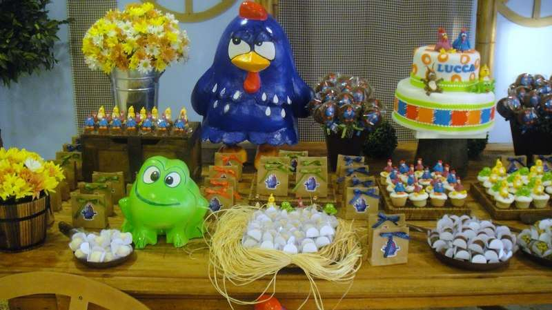 decoracao-festa-galinha-pintadinha-14