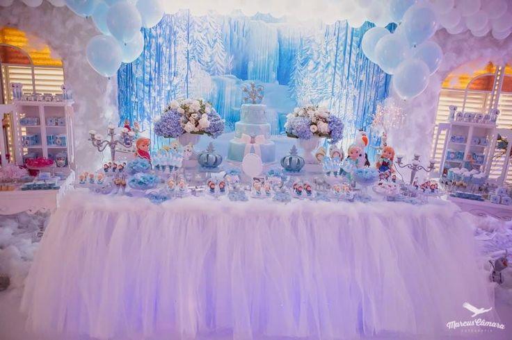 Festinha com decoração estilo princesa