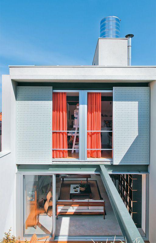 15 fachadas de sobrados projetos e estilos exclusivos for Modelos de casas modernas economicas