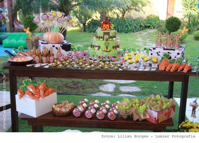 muitos e muitos comes temáticos para a festinha arrasar!!!