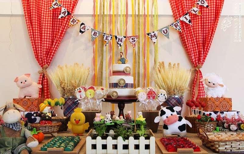 bolo decorado para festa de fazendinha
