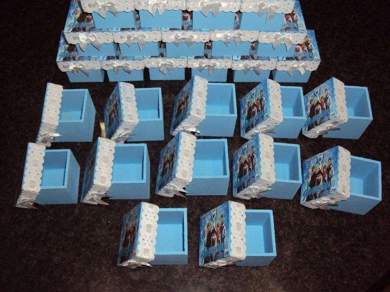 Caixinhas ara convites de decoração Frozen