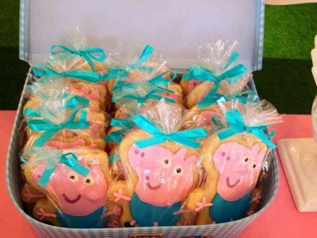 docinhos Peppa pig decorados com o tema da festa
