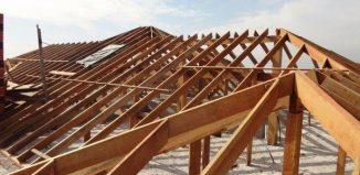 Estrutura de telhado em madeira Cambará