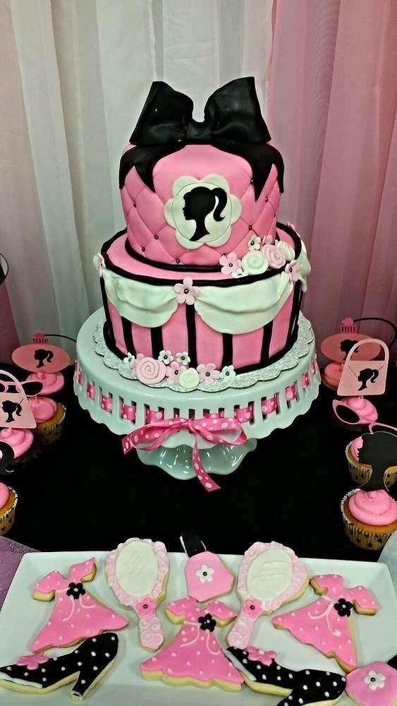 bolo de aniversário Barbie de 2 níveis em rosa, preto e branco