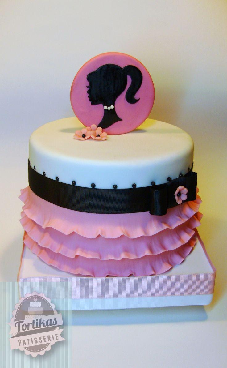 Bolo para festinha de aniversário temática da Barbie