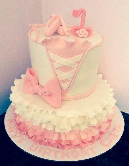 Bolo temático para festa de aniversário de Bailarina