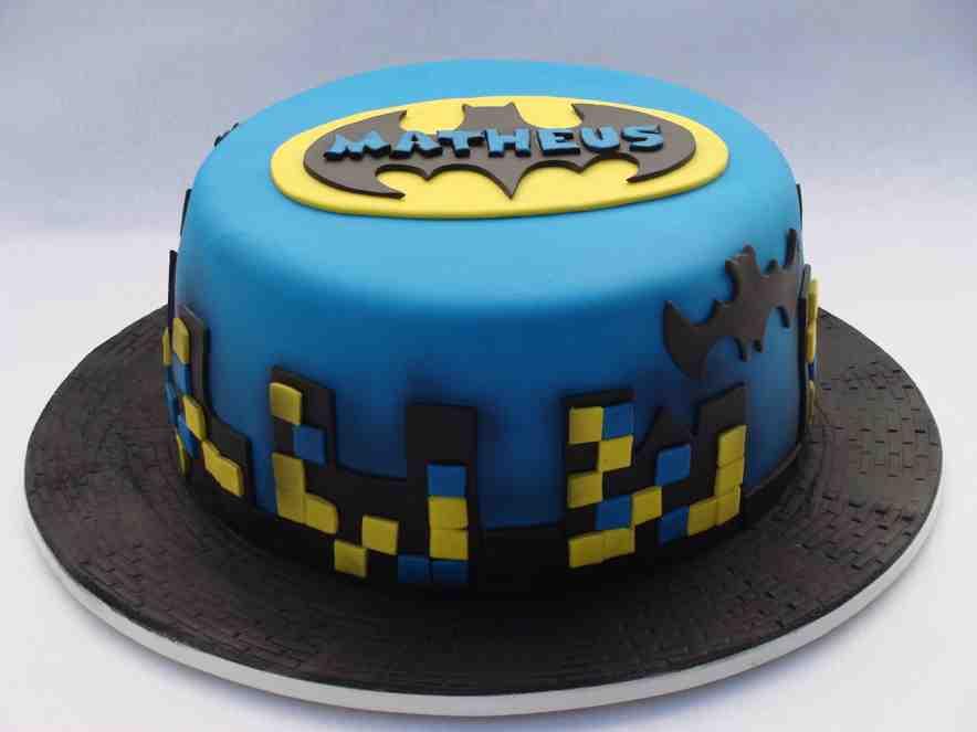 torta de aniversário azul do Batman