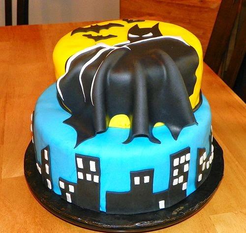 bolo decorado com tema Batman