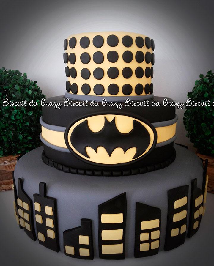 Bolo decorativo para festa de aniversário do Batman