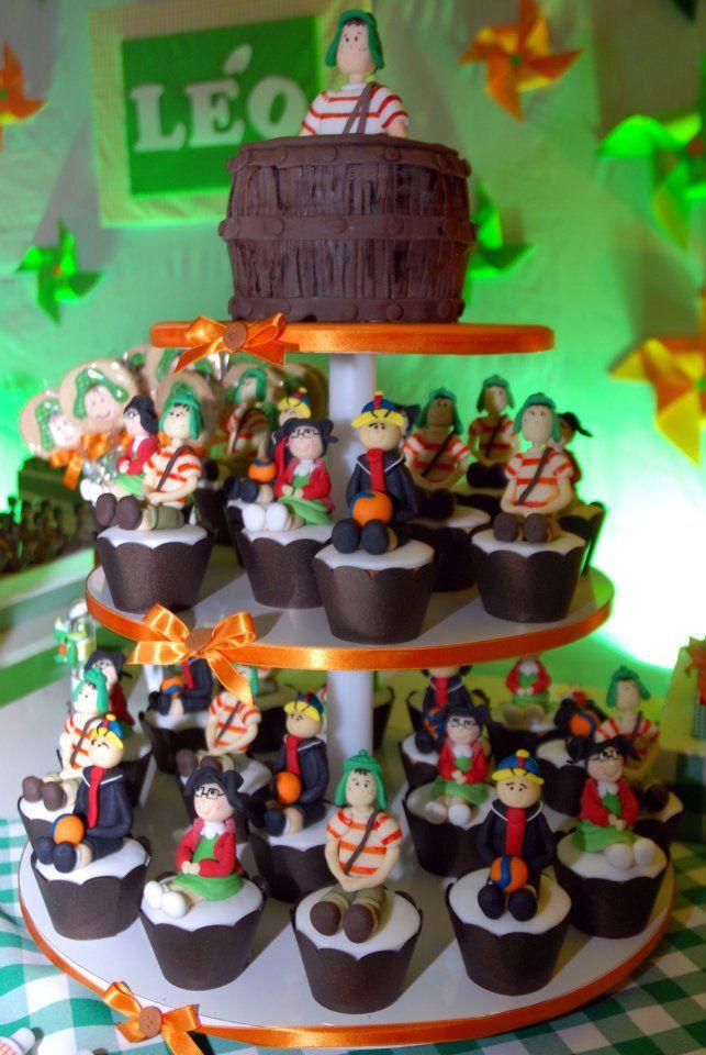 Bolo e Cupcakes de aniversário do Chaves