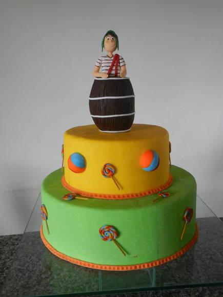 Bolo de aniversário decorado do Chaves