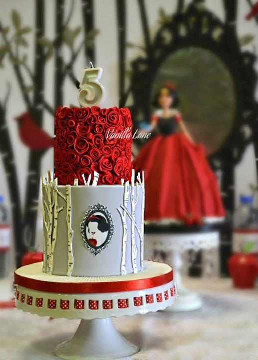 bolo decorado da Branca de Neve