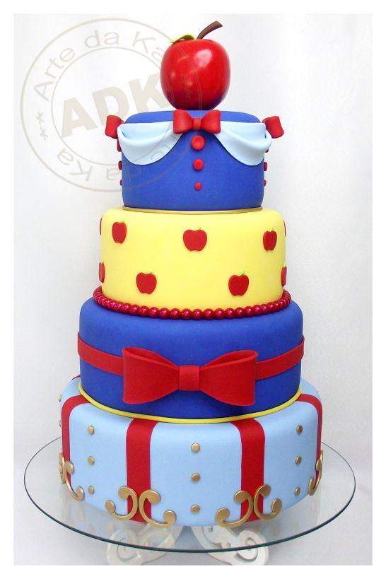 bolo temático para festa da Branca de Neve