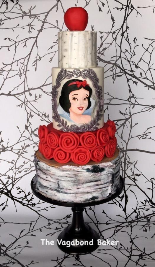 Bolo temático da primeira princesa da Disney