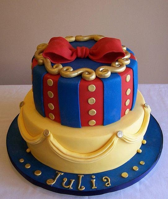 Lindo bolo decorado da princesa Branca de Neve