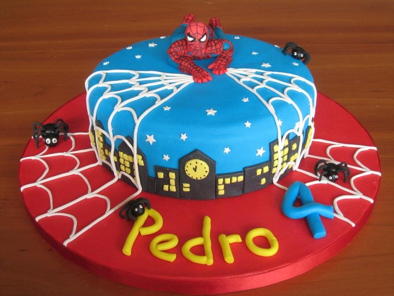 Bolo decorado de aniversário do homem Aranha