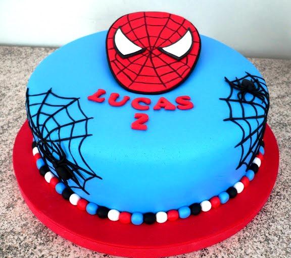 Bolo temático do Homem Aranha
