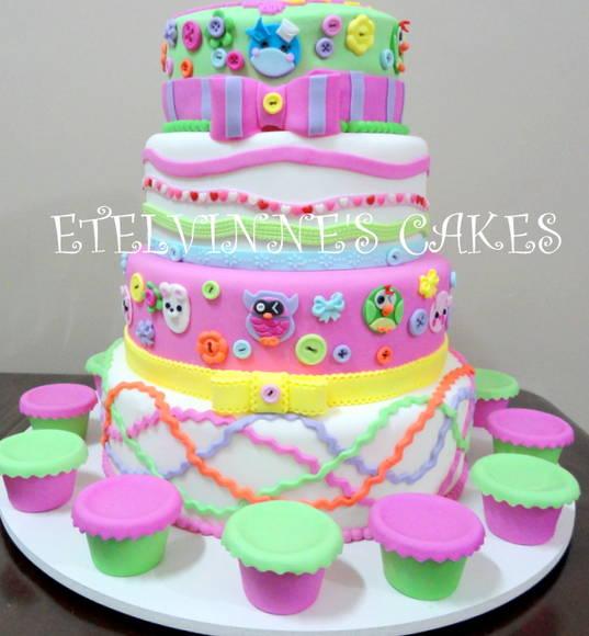 Bolo da Lalaloopsy colorido para festa de aniversário infantil