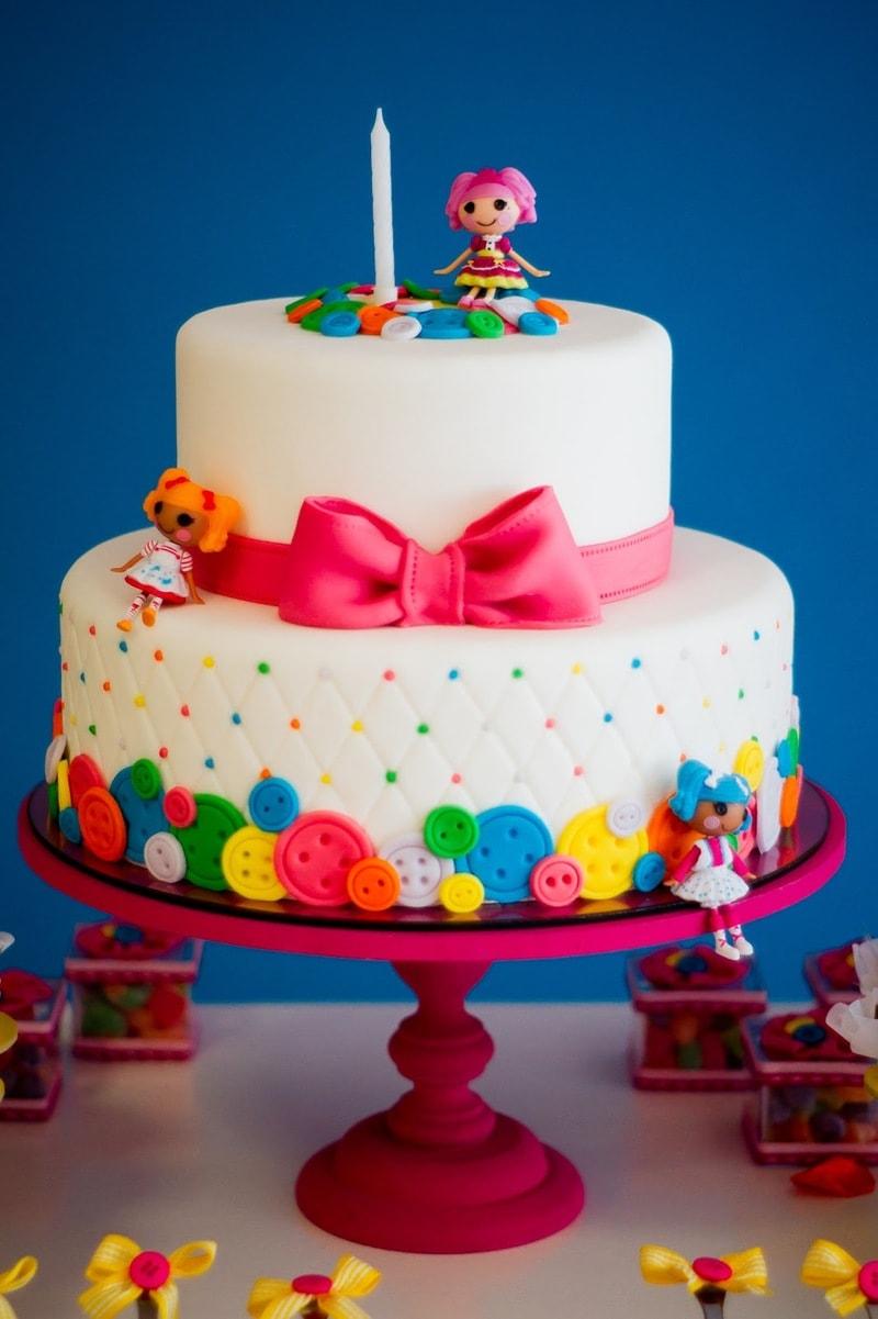 Linda torta decorada da Lalaloopsy