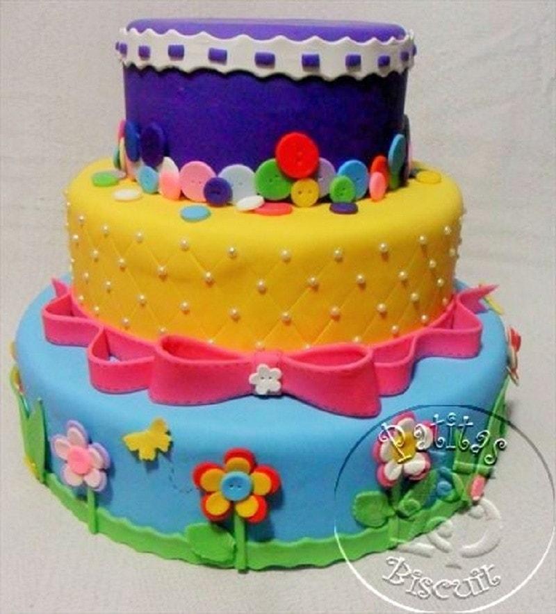 Bolo de aniversário para festa da Lalaloopsy