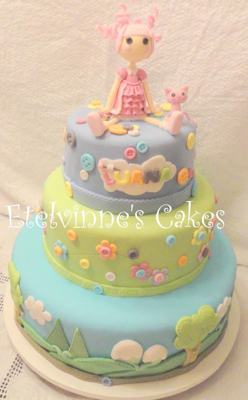 bolo de aniversário decorado 3 níveis