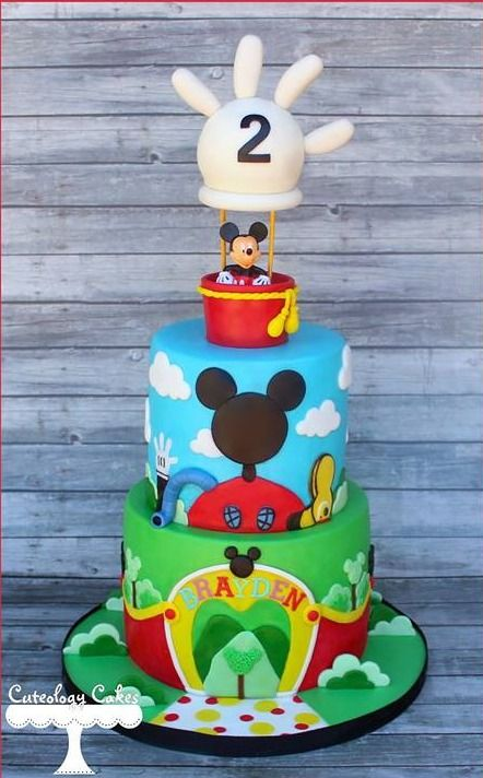 Lindo bolo de aniversário do MIckey Mouse decorado