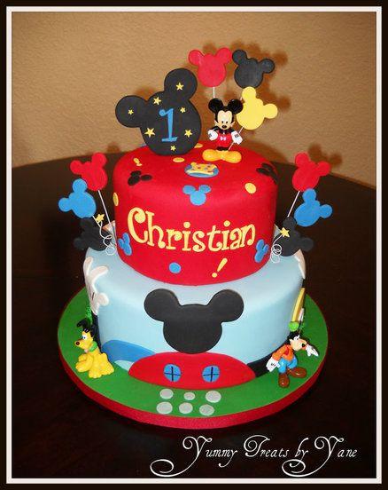 Bolo decorado colorido do Mickey Mouse