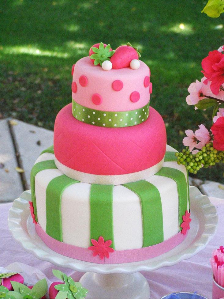 bolo personalizado para festa da Moranguinho