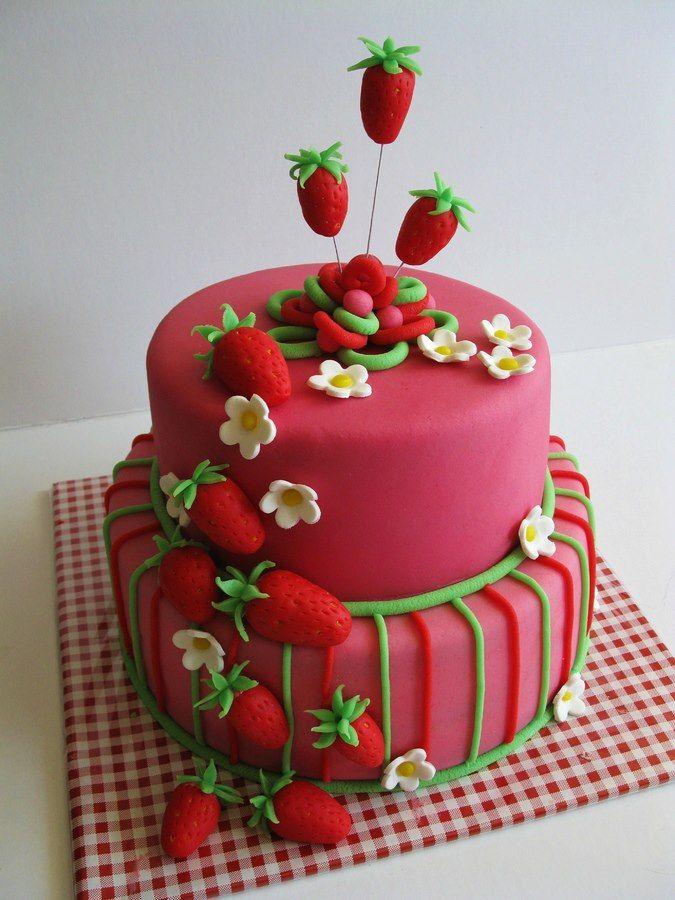 Bolo para festa de aniversário infantil da Moranguinho