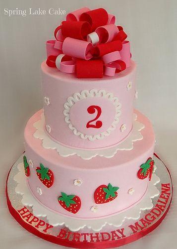 Bolo de aniversário para festa da moranguinho