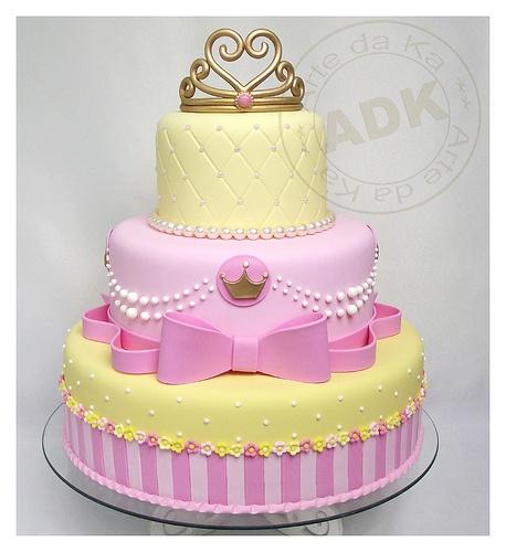 bolo lindo e delicado de princesas