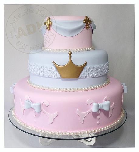 Bolo para festa infantil de princesas