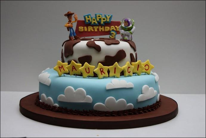 Bolo de aniversário temático de Toy Story