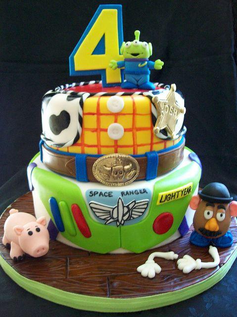 bolo de aniversário infantil decorado do Toy Story