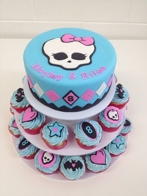 Bolo e Cupcakes de Monster High