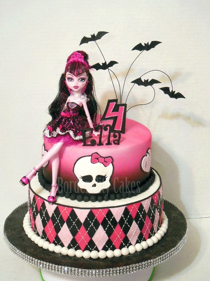 Bolo de 2 níveis Monster High