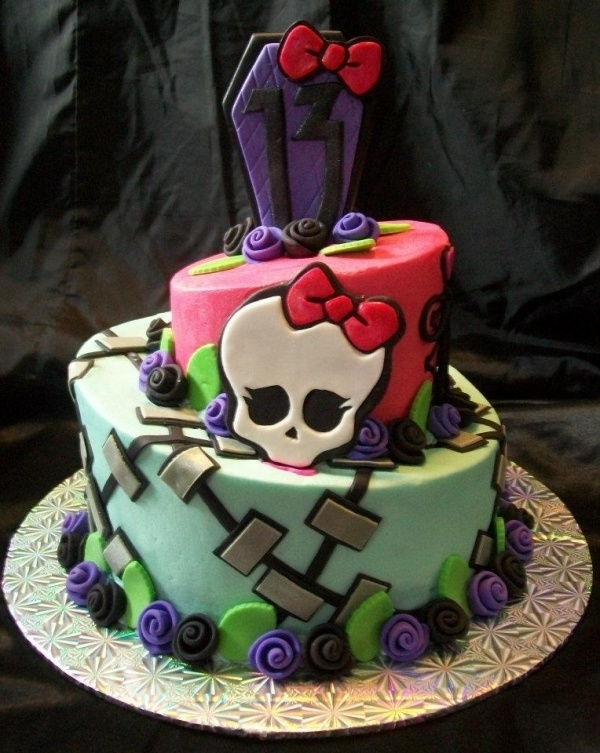 Bolo de 2 níveis monster High pesonalizado