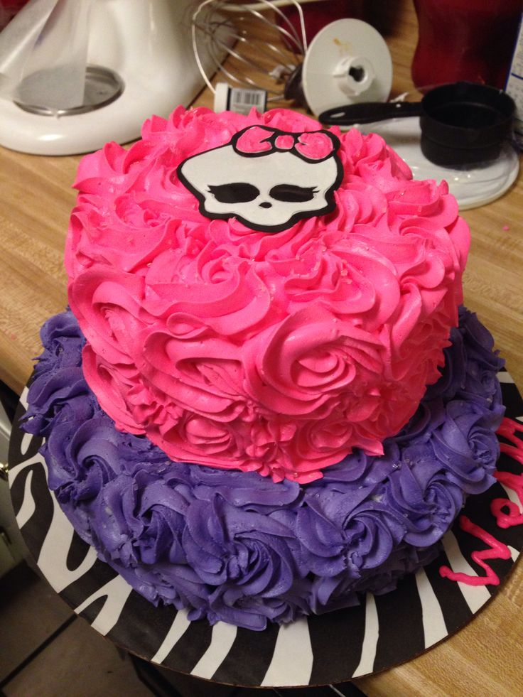 Bolo de aniversário decorado Monster High