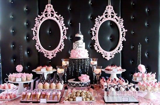 Decoração de festa de aniversário da Barbie com painel de couro