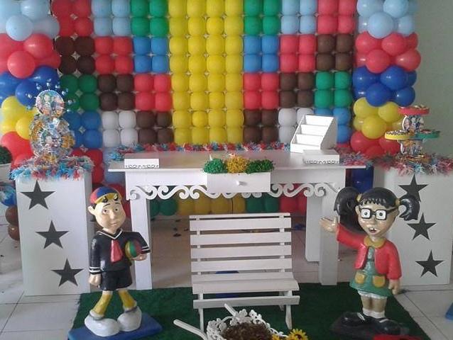 Decoração com balões coloridos Chaves