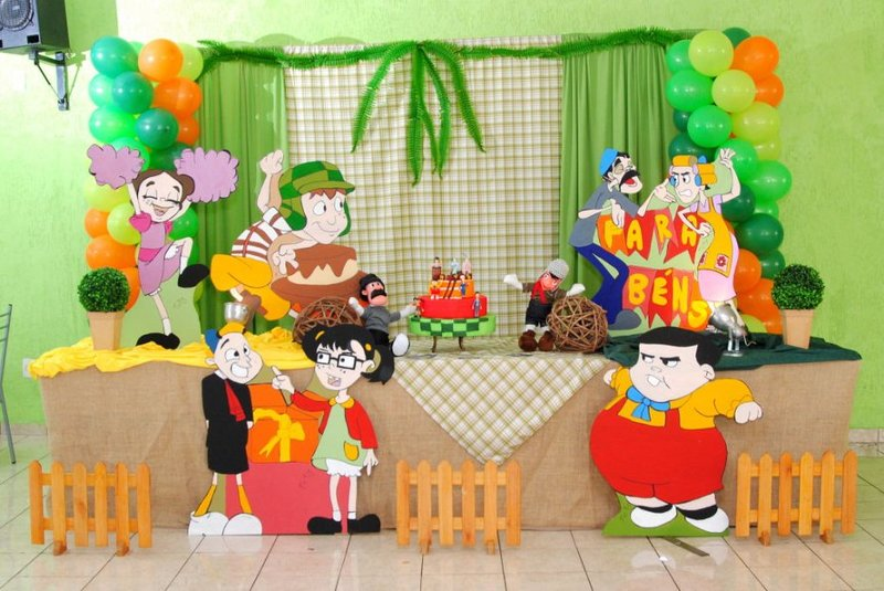 Festinha de aniversário do Chaves decorada