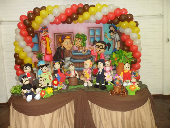 Festa infantil do Chaves decorada com Balões